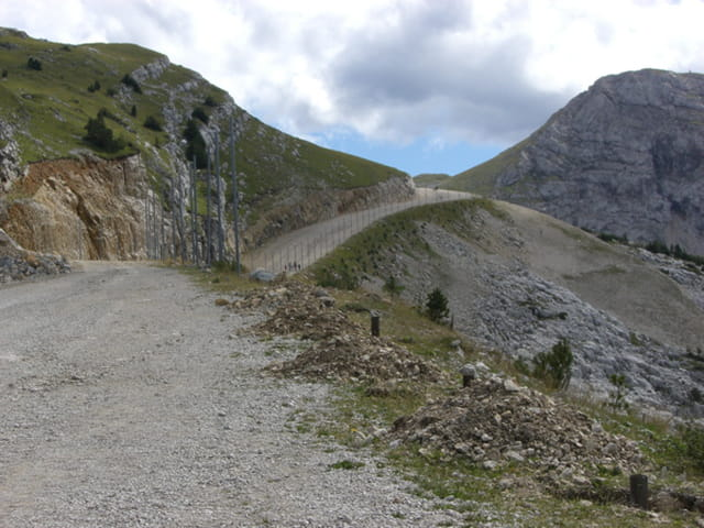 Chemin en montagne