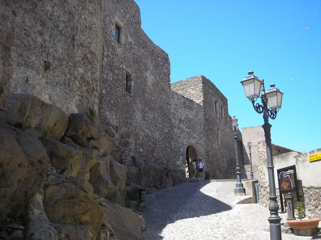 Chemin menant au château Doria