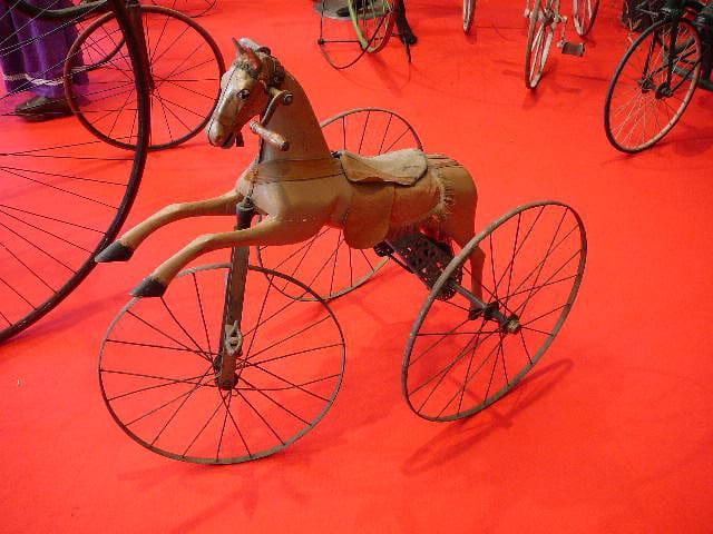 Cheval à trois roues
