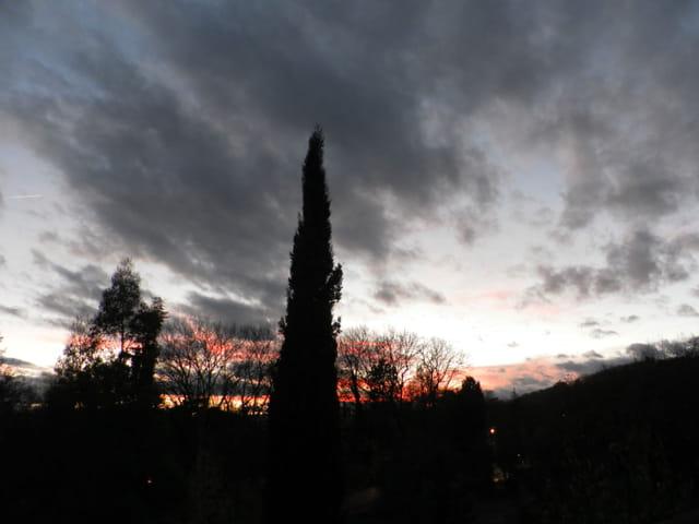 Ciel de fin de journée d'automne
