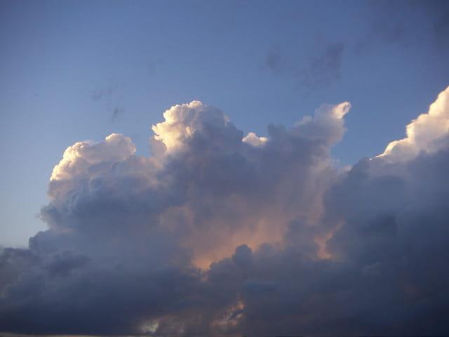 Ciel en éruption