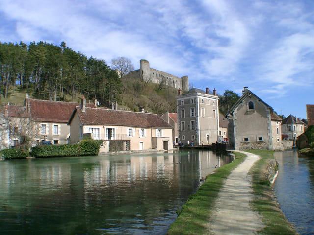 Citadelle au bord de l'eau