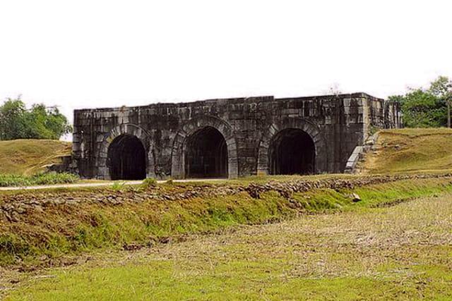 Citadelle de la dynastie de Hô