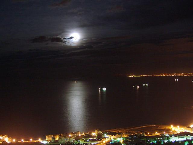 Clair de lune sur la baie d'alger