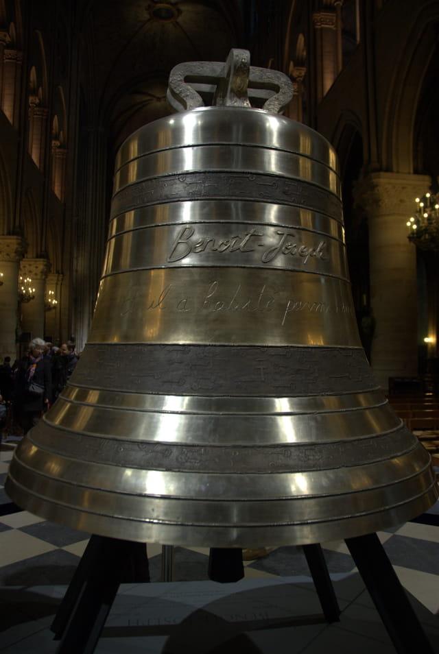 Cloche de Notre Dame, Benoît St Joseph