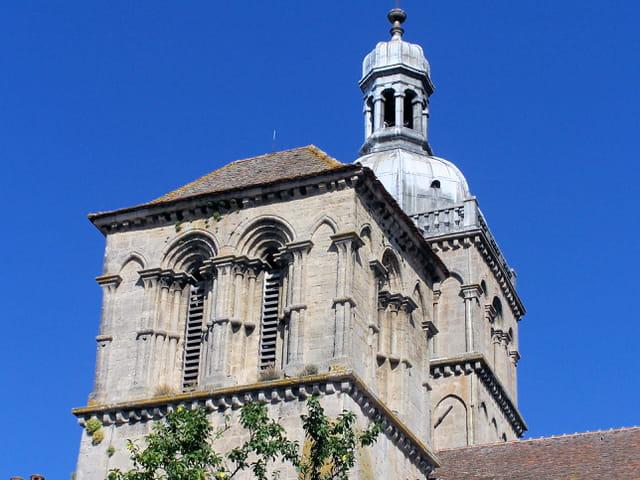 Clocher de la basilique Saint-Andoche
