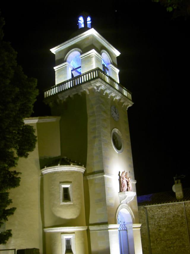 Clocher de mon village la nuit