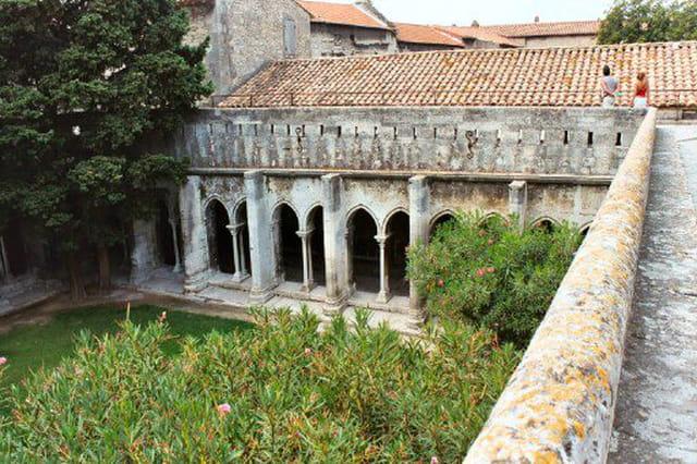 Cloître en Arles