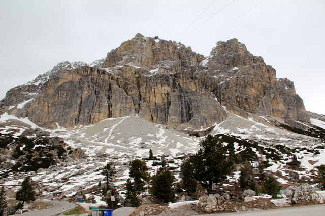 Col du Falzarego dans les Dolomites