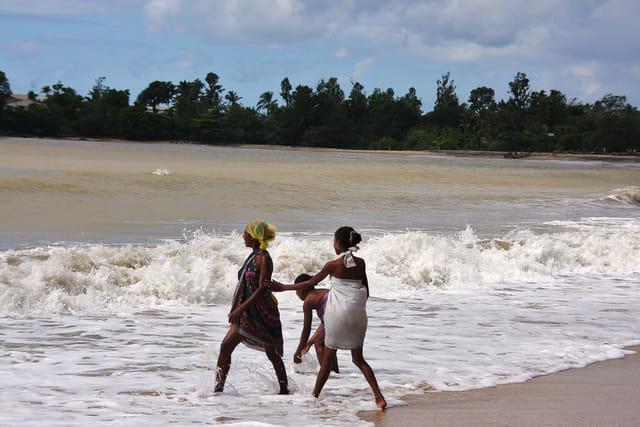 Collègiennes à la plage