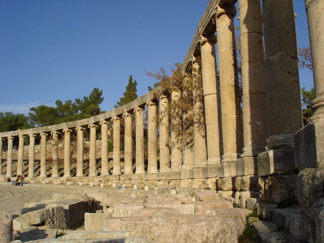Colonnade du forum