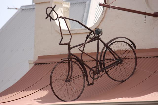 Comme un vélo sur le toit