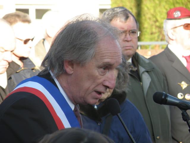 Commémoration du 3 mars 1942, au Pecq