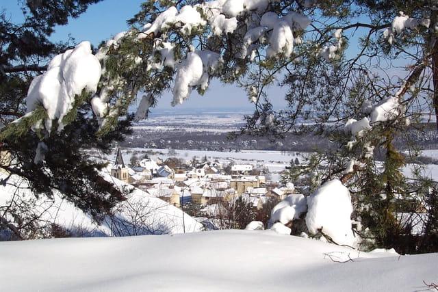 Corcelles sous la neige de mars