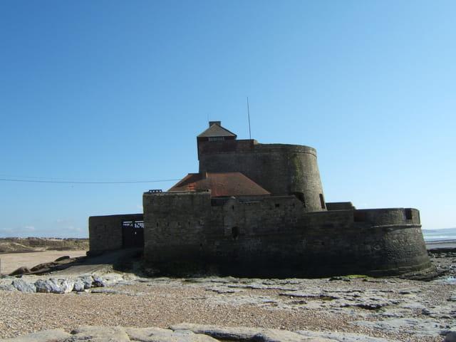 Côté droit du Fort Vauban