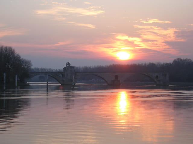 Coucher de soleil au pont d'Avignon