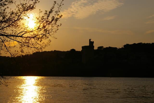 Couché de soleil sur la tour Philippe Lebel