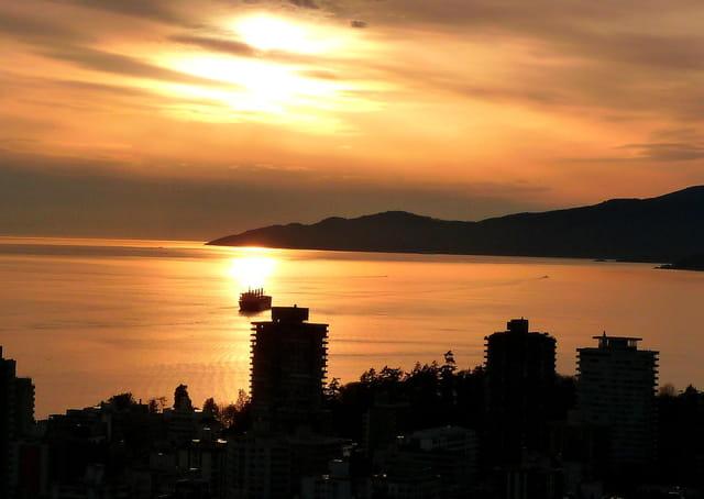 Coucher de soleil dans la baie de Vancouver