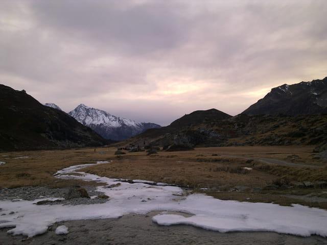 Coucher de soleil en montagne.