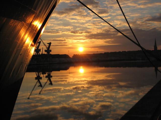 Coucher  de soleil sur la bassin Dugay-Trouin à St-Malo