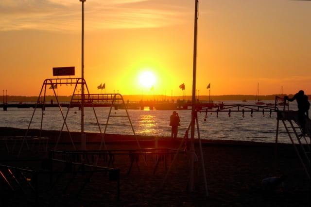 Coucher de soleil sur la jetée