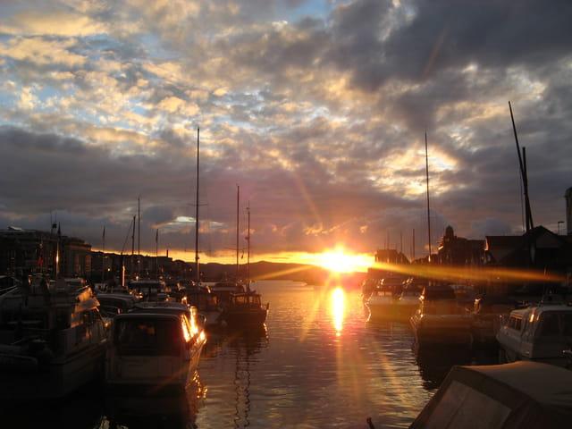 Coucher de soleil sur le port de Bergen