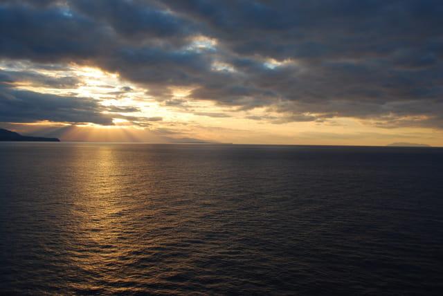 coucher de soleil sur les îles éoliennes