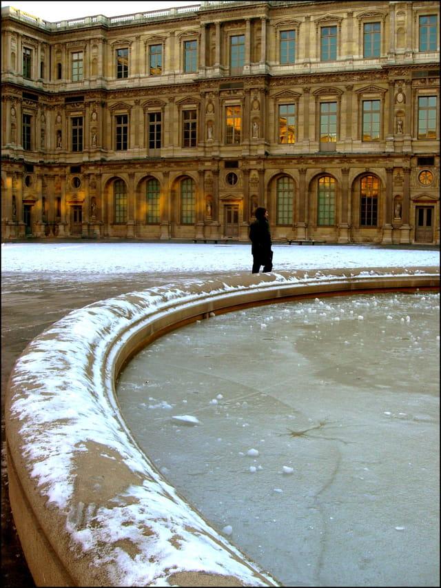 Cour carrée du Louvre glacée