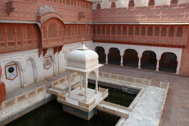 Cour intérieure du fort Junagarh