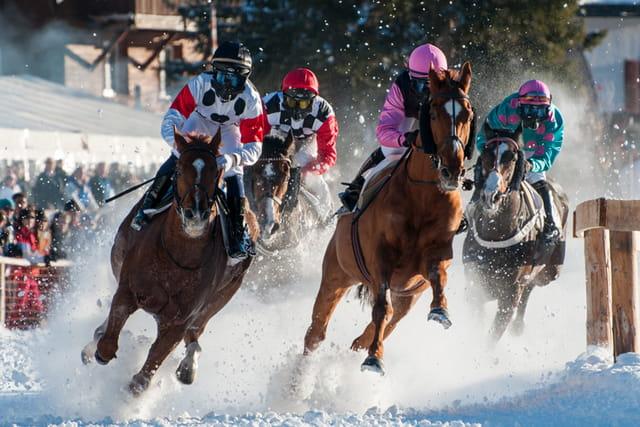 Courses de chevaux sur le lac de l'Obersee