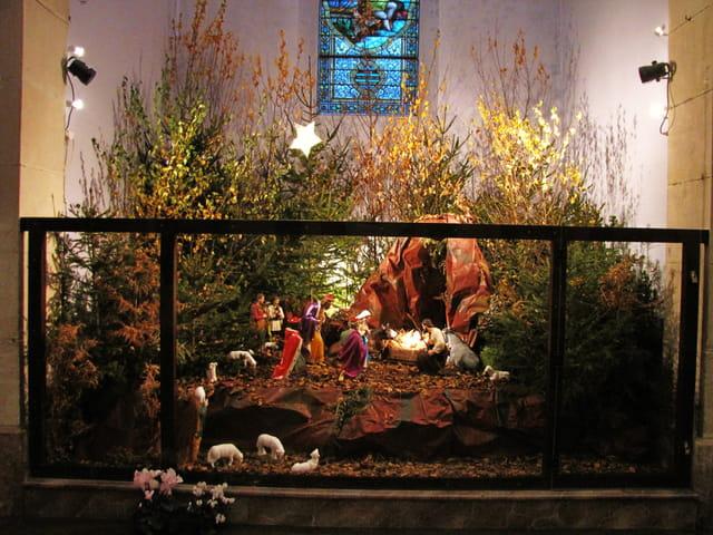 Crèche - Eglise Peyramale de Lourdes.