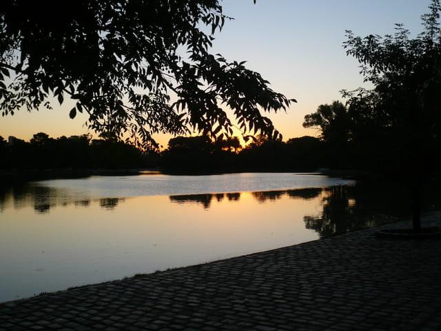Crépuscule sur le lac Las Regatas