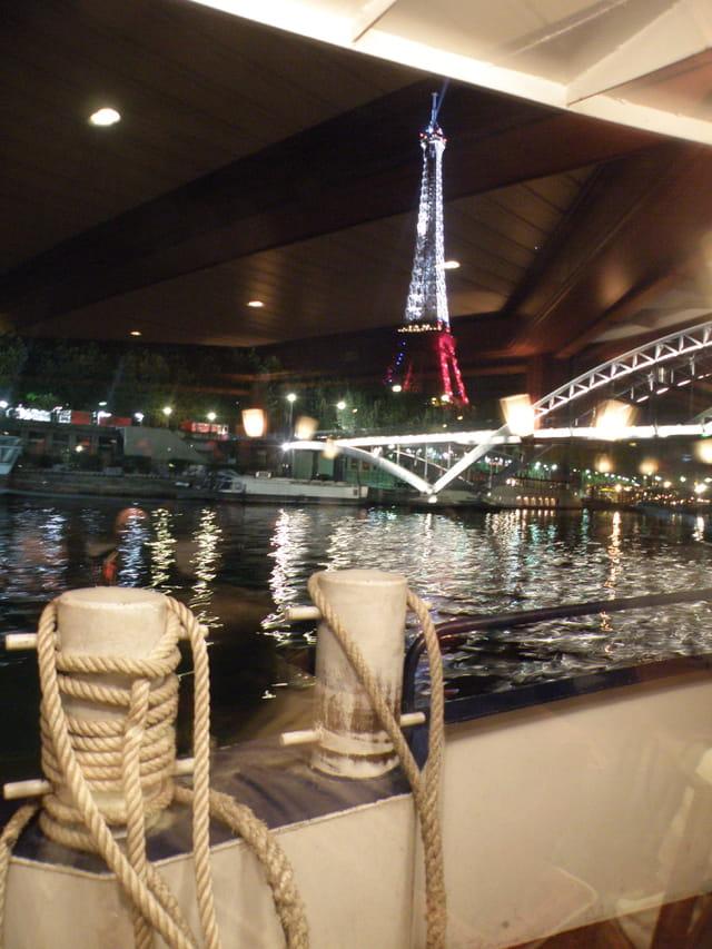 Croisière nocturne sur la Seine