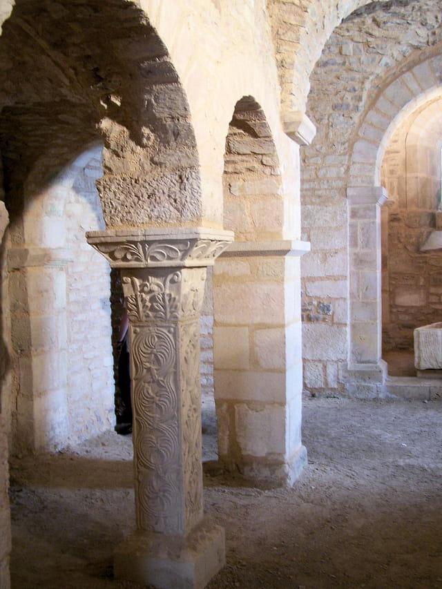 Crypte à Flavigny-sur-Ozerain