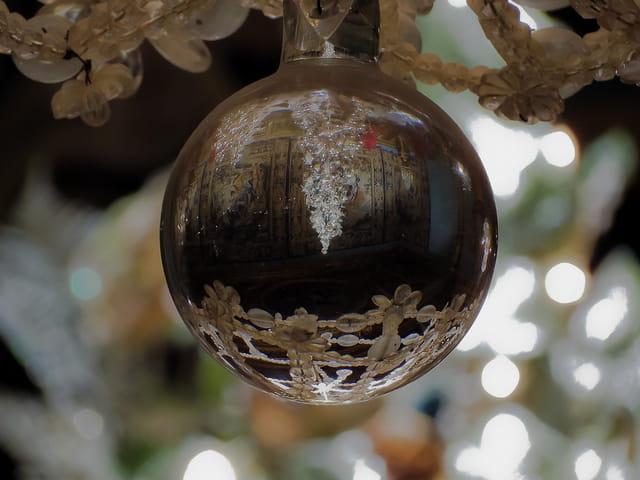 Dans la boule cristal