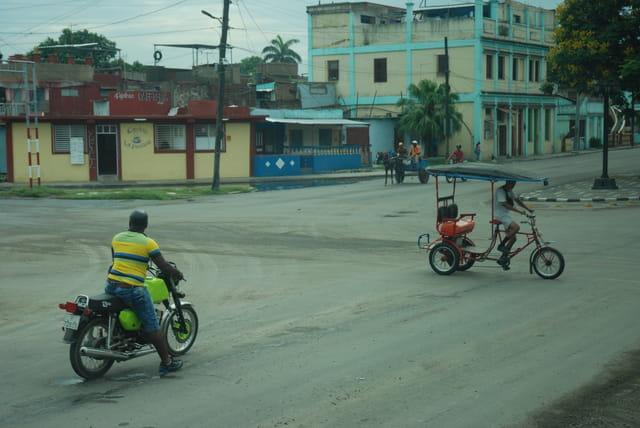 dans la rue à Santiago de Cuba
