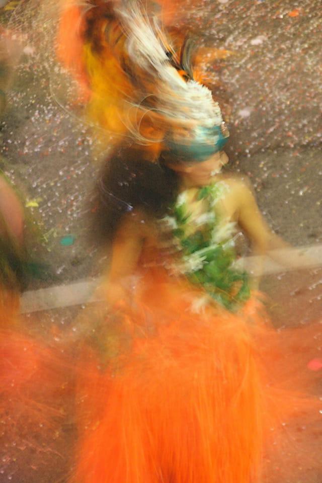 Danseuse en mouvement Fête des Citrons