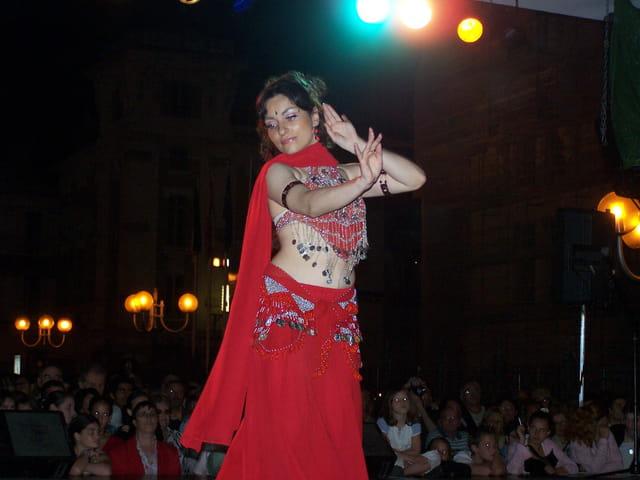 Danseuse orientale.