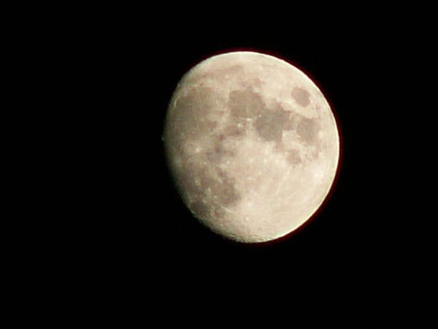 De mars on voit la lune