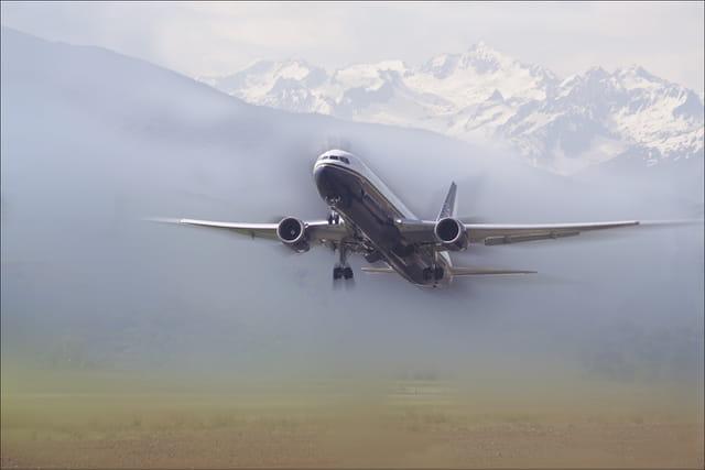 Décollage aéroport tarbes-ossun-lourdes