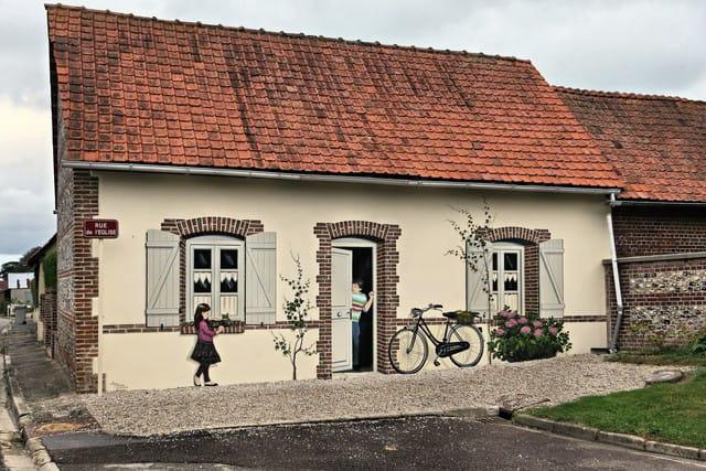 Décor peint sur une maison de Biville sur Mer.