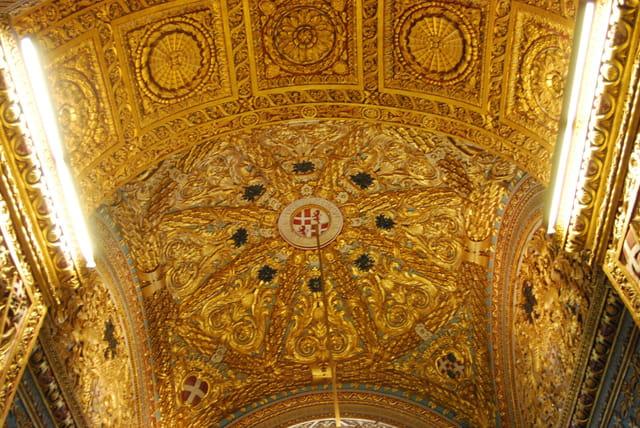 décoration intérieure de la co cathédrale Saint John