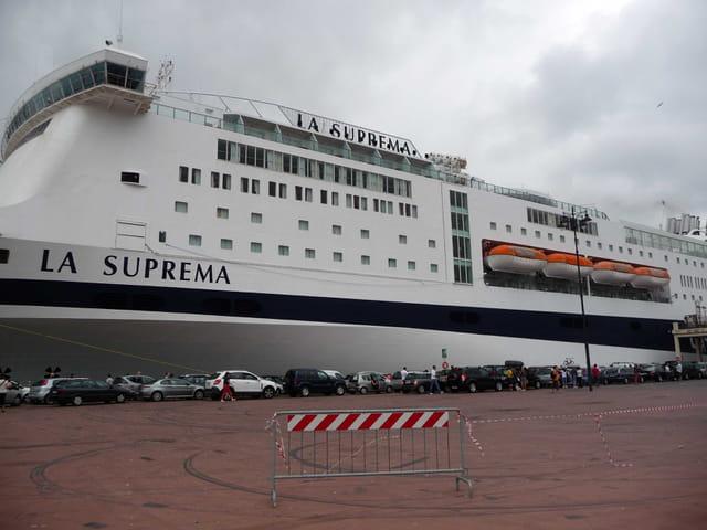 Départ du ferry pour la Sardaigne.