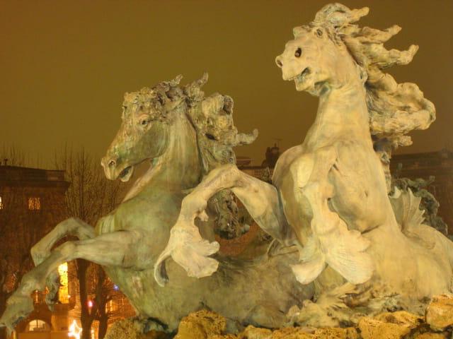 Detail de la Fontaine place des Girondins