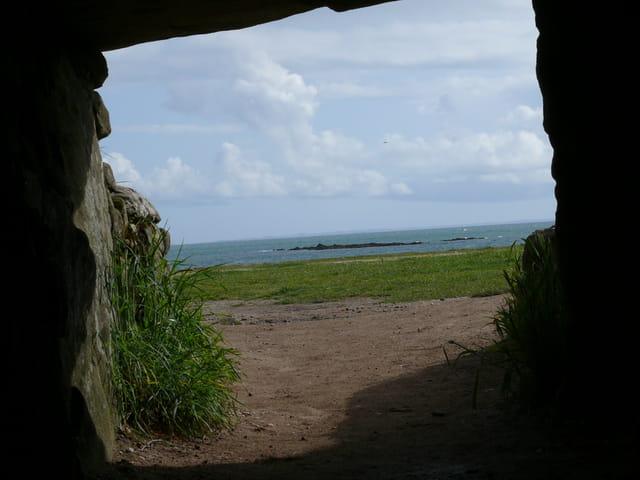 Dolmen les pierres plates 2008