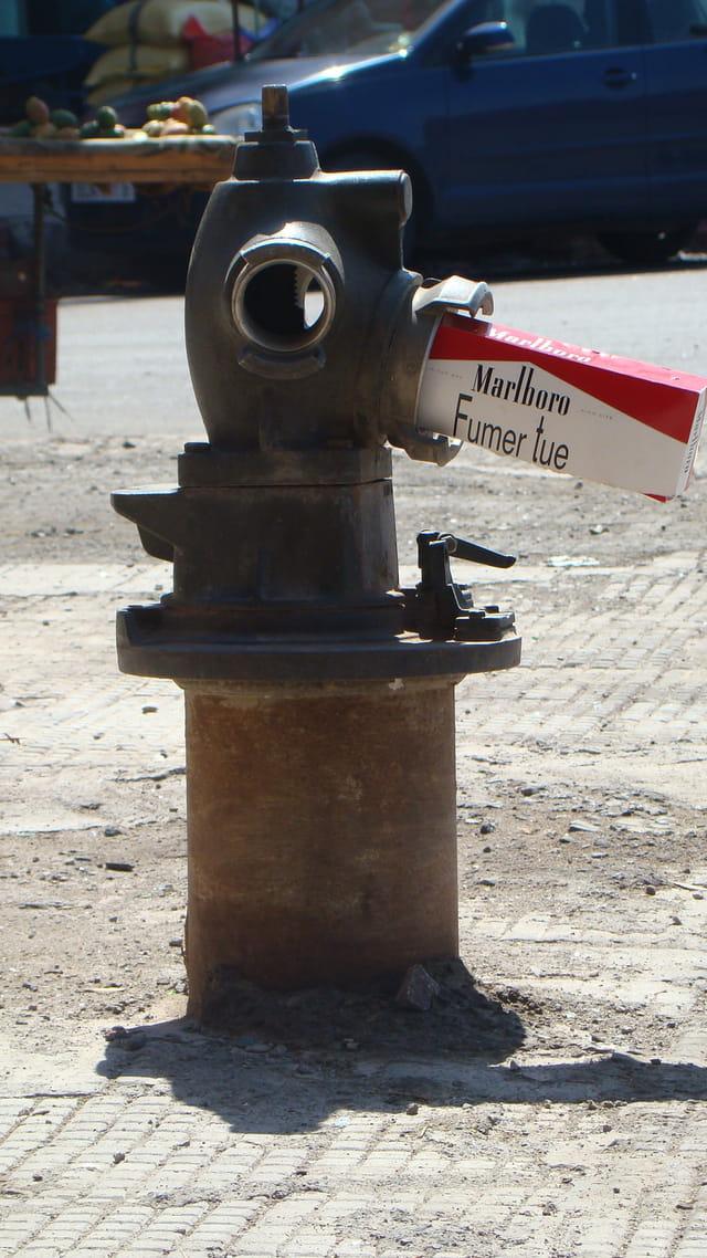 drole de poste incendie