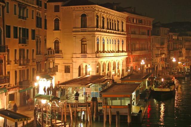 Du pont Rialto, la nuit