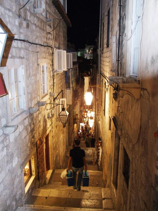 Dubrovnik rue Boskoviceva la nuit