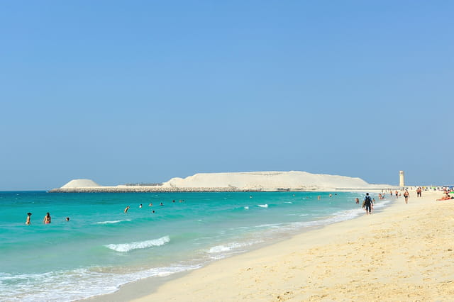 Eaux turquoise et sable fin à Palm Jumeirah