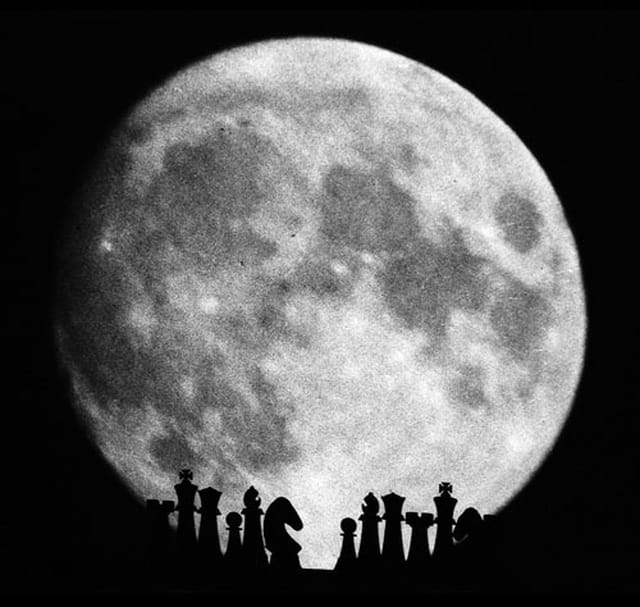 Echec et lune